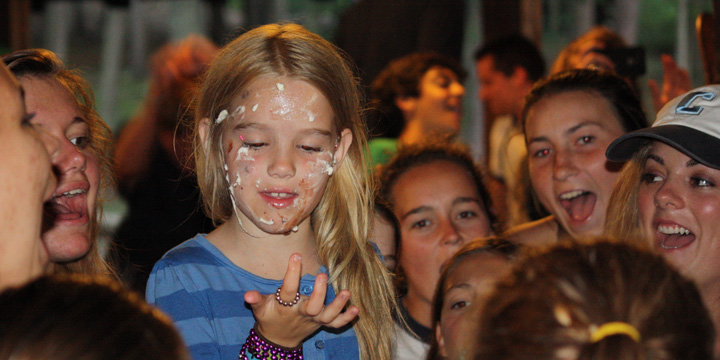Kids celebrate birthday at summer camp